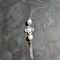 Collier Noeud Chinois en perles d'eau douce et nacre blanche 54e
